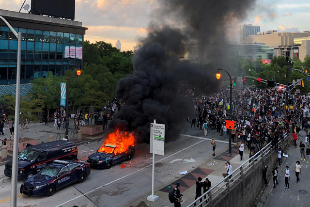 nyc 2020 police cruisers burn